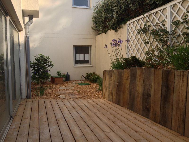 Conception d\'un aménagement paysager dans un petit jardin de ville ...