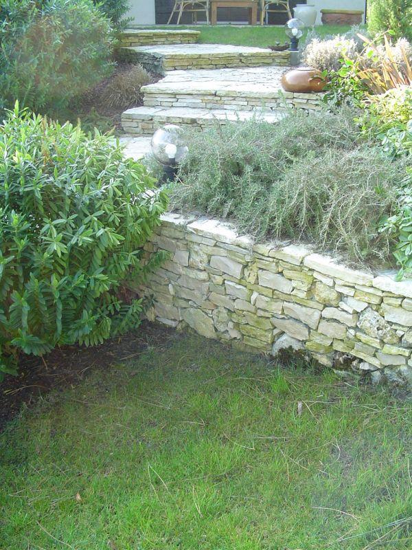 Construction de murs en pierres s ches biscarosse for Entretien jardin gujan mestras