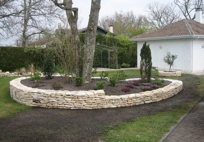 Construction de murs en pierres s ches biscarosse for Pierre decorative exterieure jardin